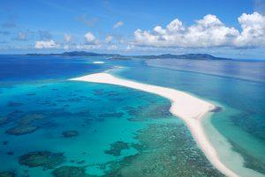 沖縄・久米島 東洋一美しいとされるハテの浜